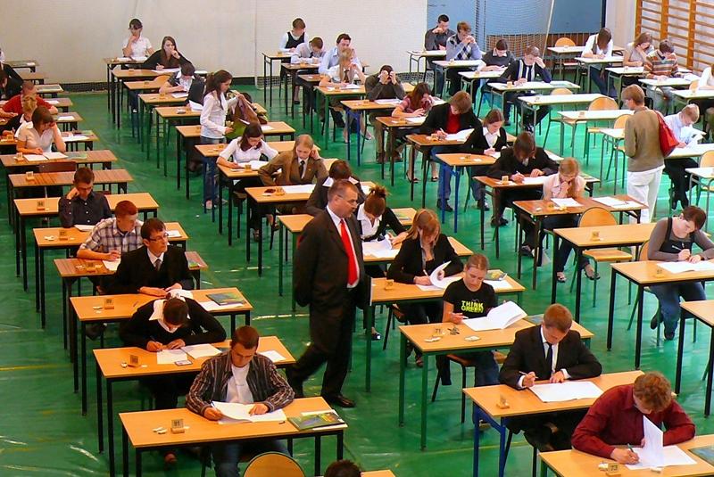 Do testu finału centralnego XXIV OWE przystąpiło 115 uczniów szkół ponadgimnazjalnych z całej Polski